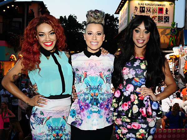 Izlazi stooshe karis i Courtney