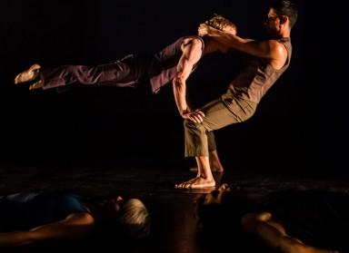 'Knee Deep' na 10. Festivalu novog cirkusa – onkraj mogućega