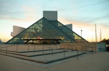 Rock and roll kuća slavnih  u Clevelandu (Izvor: Wikipedia)
