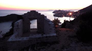 Večernji pogled na Dubrovnik iz Parka Orsula (Foto: Zoran Stajčić)