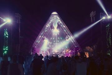 Pyramid stage (Foto: Karla Lebhaft)