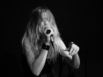 Nataša Dangubić, 'Born To Please'