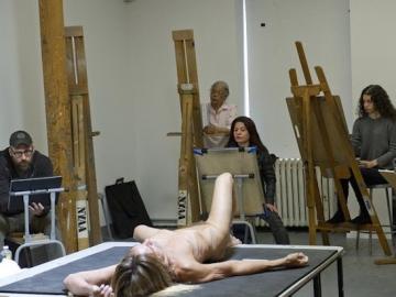 Iggy Pop pozira studentima slikarstva (Foto: Elena Olivo/Brooklyn Museum)