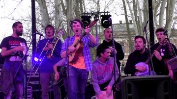 Jeboton ansambl je pjesmama 'Recesija' i 'Sotona pankeri' otvorio prosvjedni skup na Zrinjevcu (Foto: Zoran Stajčić)
