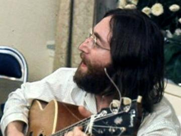 John Lennon (Izvor_ Wikipedia)