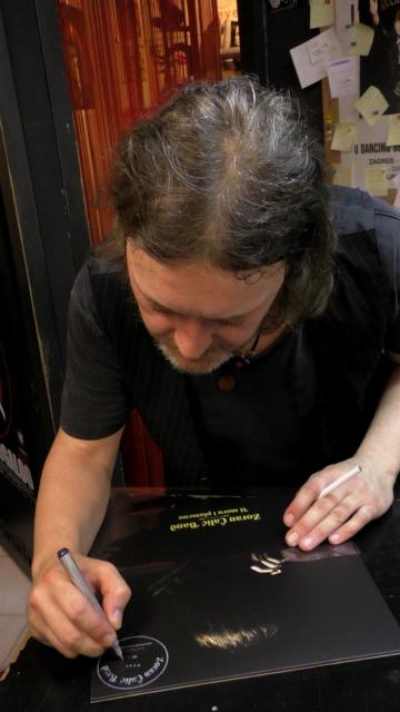Zoran Čalić na promociji vinilnog izdanja svog debitanstskog albuma (Foto: Zoran Stajčić)