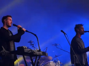 Massive Attack izvode 'Eurochild' u londonskom Hyde Parku