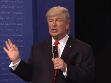 Alec Baldwin kao Donald Trump (Izvor: MSNBC)