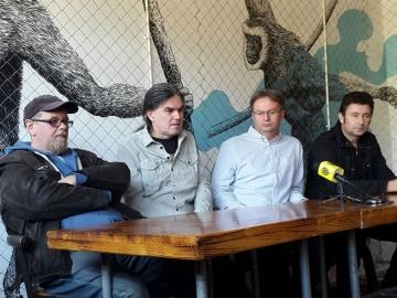 Tiskovna konferencija Udruge promo u Kavezu: Aleksandar Dragaš, Ilko Čulić, Zoran Marić i Dražen Goreta (Foto: Udruga Promo)