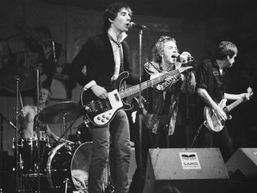 Sex Pistols u amsterdamskom klubu Paradiso 1977. - s lijeva na desno: Paul Cook, Glen Matlock, Johnny Rotten i Steve Jones (Foto: Wikipedia)
