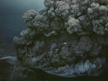 Fleet Foxes najavljuju novi album fotografijom erupcije vulkana na otoku Hokkaido u Japanu, koju je 1962. snimio Hiroshi Hamaya