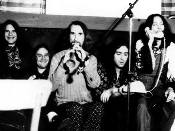 Can snimljeni 1971., Jaki Liebezeit je četvrti s lijeva na desno (Foto: Wikipedia)