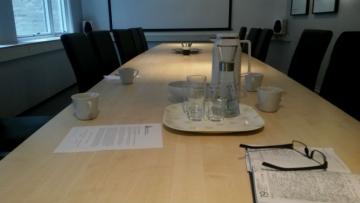 Prvotni dojam običnosti ovog stola vas vara, ovo je najvažniji stol u norveškom novinarstvu (Foto: Marko Podrug)