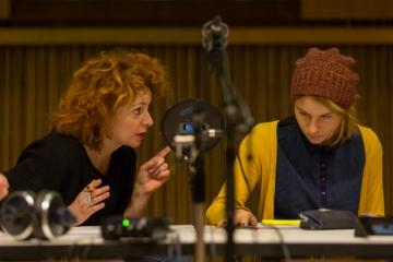 Nina Violić u ulozi Madame Heye i Tihana Lazović u ulozi mlade radnice Hete (Foto: Montažstroj)