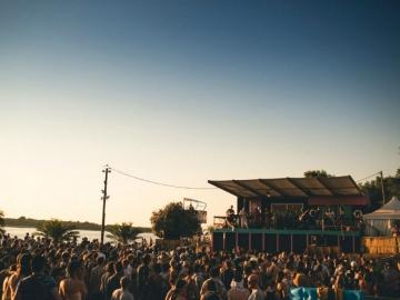 Dimensions Festival: The Baech pozornica