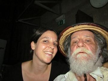 Selfie s Majom Zrim, koja me častila čajem, a Arijanu kavom (Foto: Marko Brecelj)