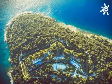 Tvrđava Punta Christo pored Pule dom je Outlook festivala