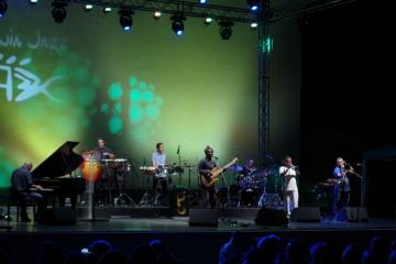 Richard Bona na opatijskoj Ljetnoj pozornici na 17. Liburnia Jazz Festivalu (Foto: Davor Hrvoj)