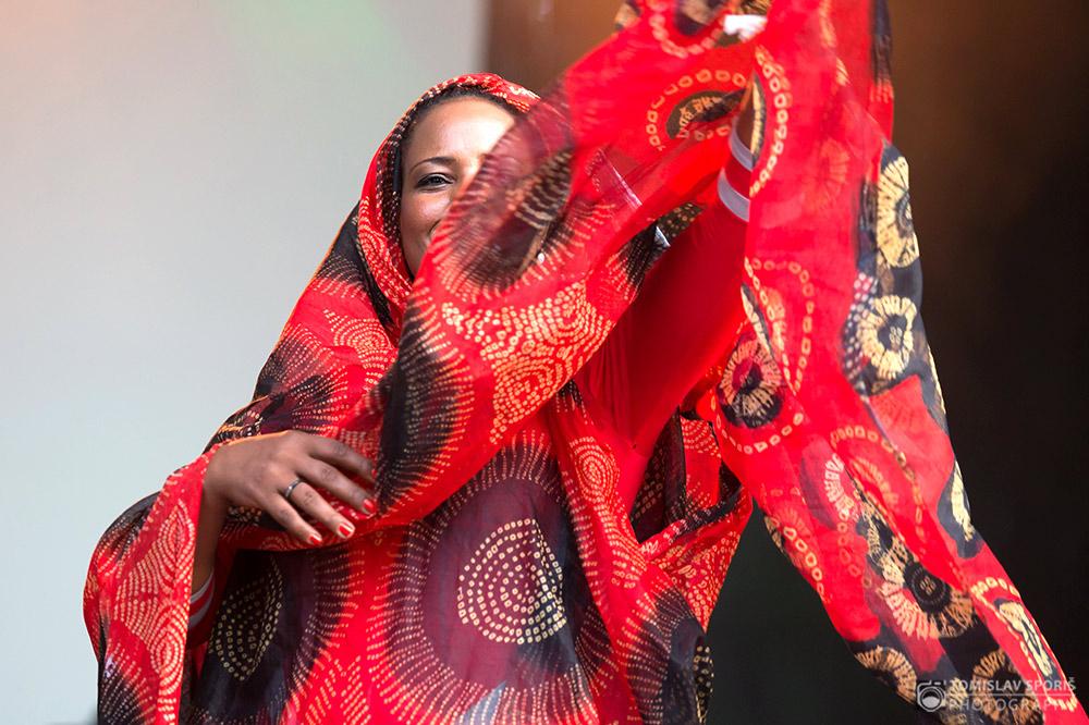 Aziza Brahim na INmusic Festivalu (Foto: Tomislav Sporiš)