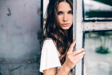 Sara Renar