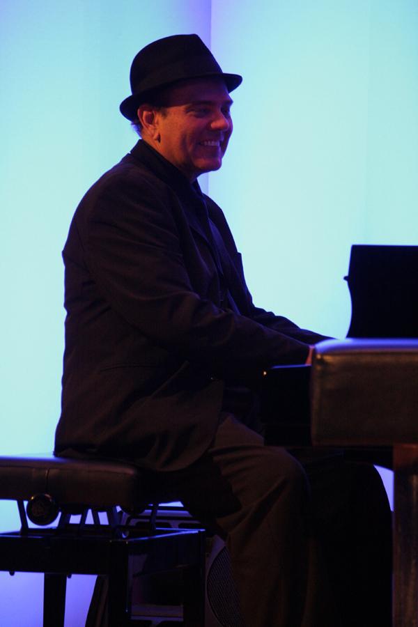 Edsel Gomez (Foto: Walter Thompson)