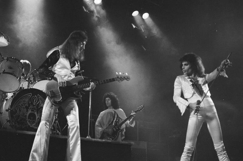 Queen - A Night At The Bohemia