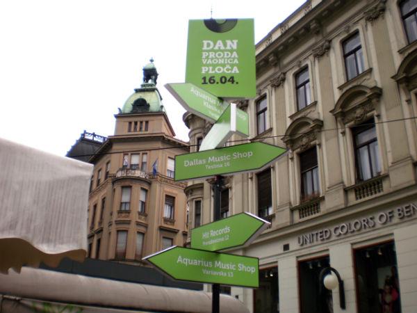 Ulična oznaka za Dan prodavaonica ploča (Foto: Marko Špoljarević)