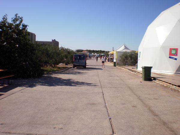 Glavna ulica Terraneo festivala (Foto: Dražen Vujović)