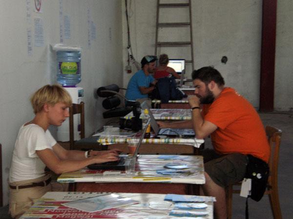 Novinari u akciji (Foto: Dražen Vujović)