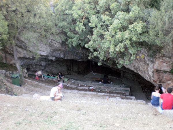 Pećina je bila glavna atrakcija u kampu (Foto: Dražen Vujović)