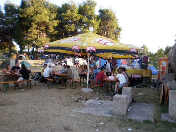Terry Cave Bar u kampu (Foto: Dražen Vujović)