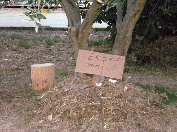 Improvizirano odlagalište eko-otpada (Foto: Dražen Vujović)