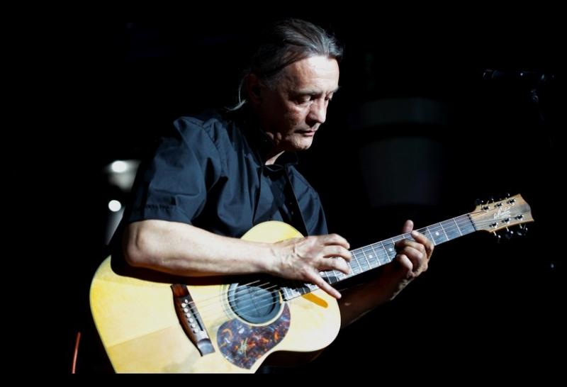 stranice za upoznavanje s američkim gitarom