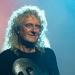 Brian May prodaje ženske grudnjake na svojoj internetskoj stranici